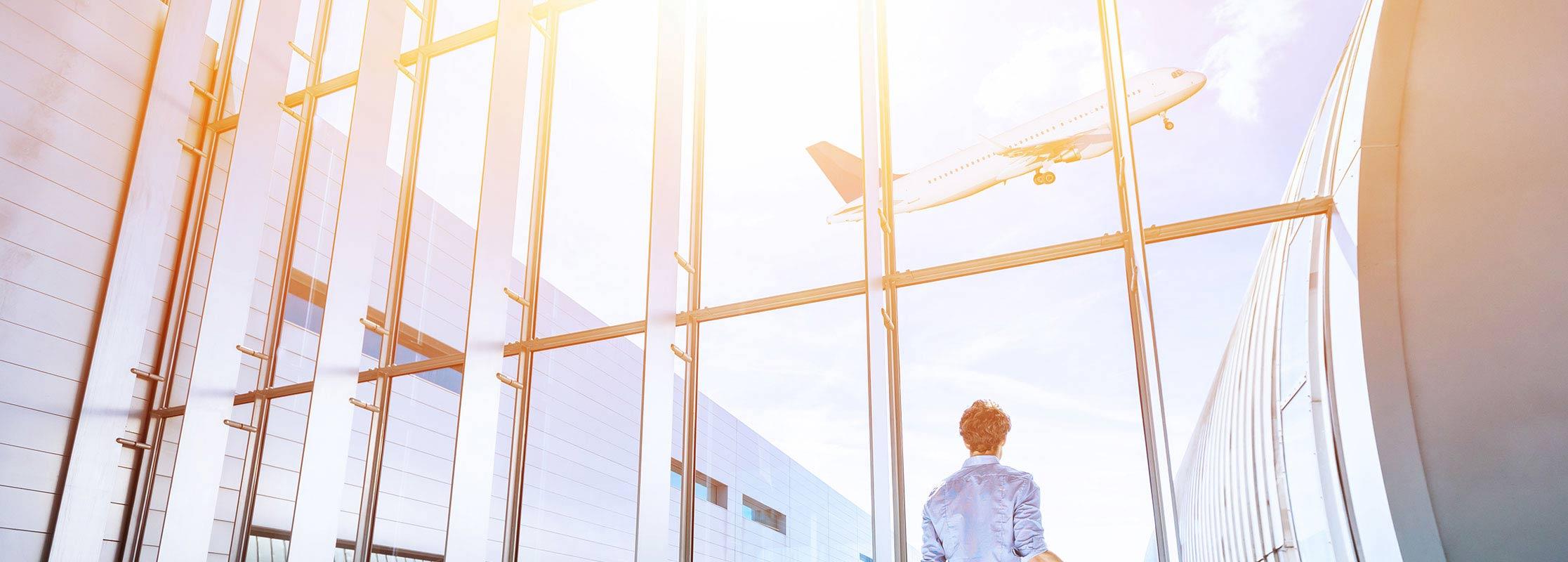 Startvorgang eines Flugzeugs am Flughafen, Aviation Management studieren an der TRIAGON Akademie